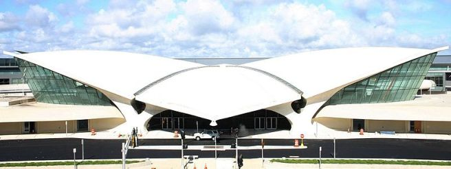 Eero Saarinen, TWA Terminal, JFK Airport | Source: Roland Arhelger, Wikimedia Commons / (CC BY-SA 4.0)